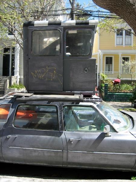 turreted-cadillac-vandalized