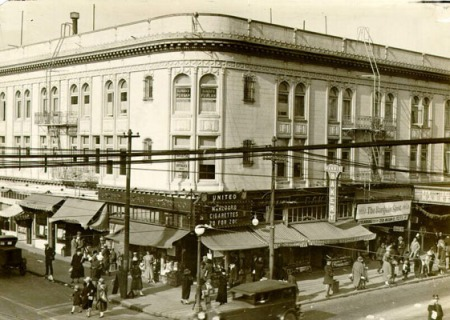 Christmas Shopping, Mission and 22nd, Dec. 1926